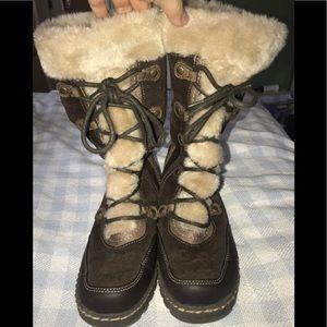 Awesome, WARM BareTraps Boots, Size 7
